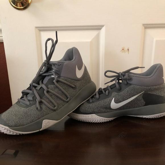 24a336991600 KD Trey 5 Big boy Size 6.5 basketball shoes. M 5b7b612d12cd4a7340e22d54